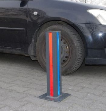 Prosty słupek parkingowy 4k